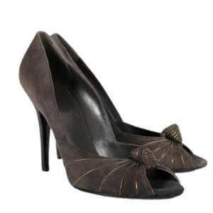 GUCCI Kelly Grey Peep Toe Suede Pump Size 37C